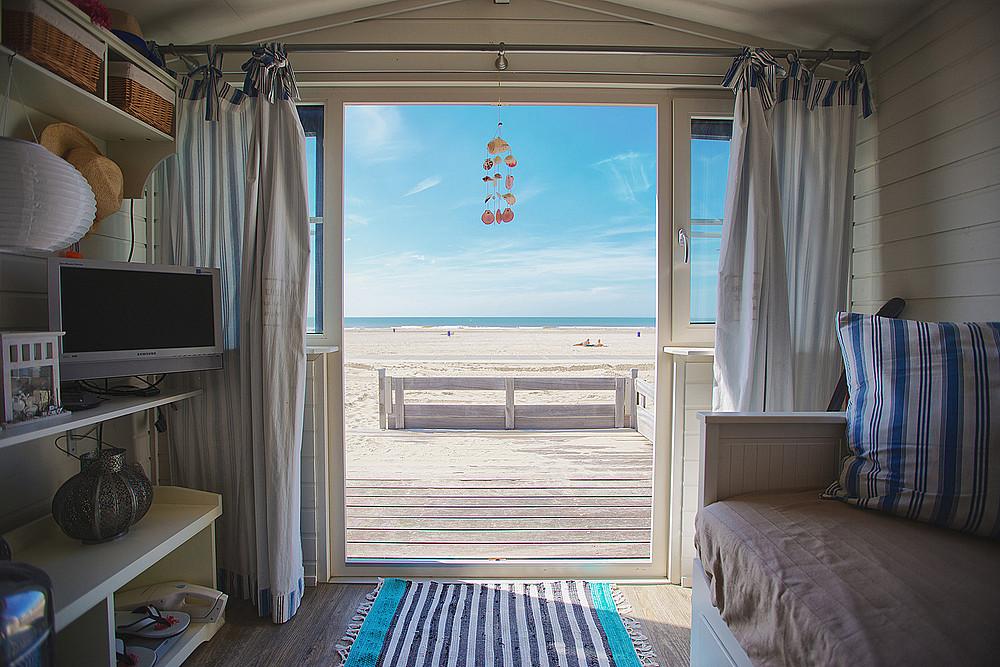 Strandhuisjes westland strandhuis b v for Edha interieur b v